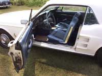 click this picture for a larger view of the Ford Mustang driver side interior