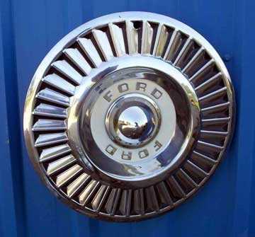 1957 Ford wheel cover